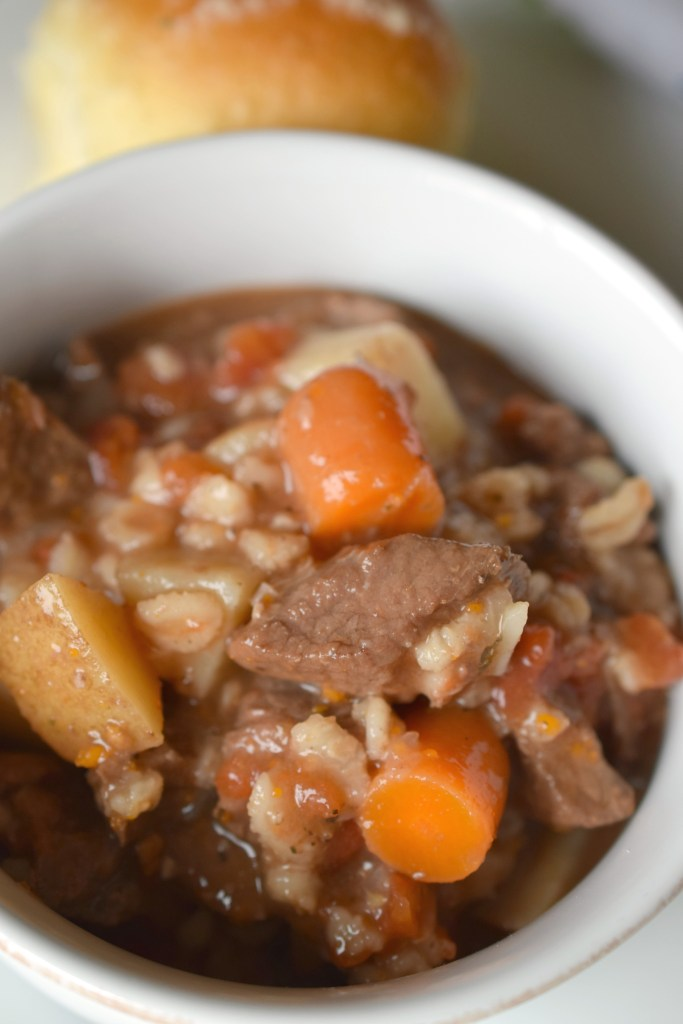 Pressure Cooker Beef & Barley Soup is full of amazing flavors. Beef, barley, veggies and broth all combine in one easy meal.