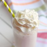 Boozy Amaretto Peach Milkshakes
