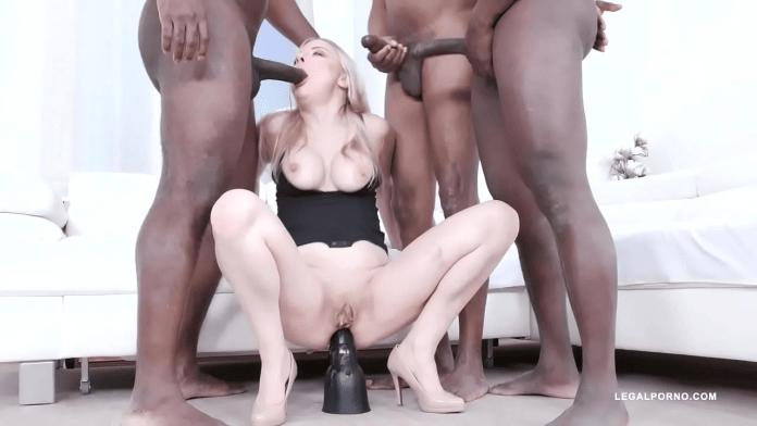 sophie shox celtic porn
