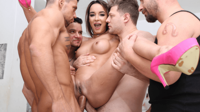 Francys Belle is one of the best anal pornstars from Brazil