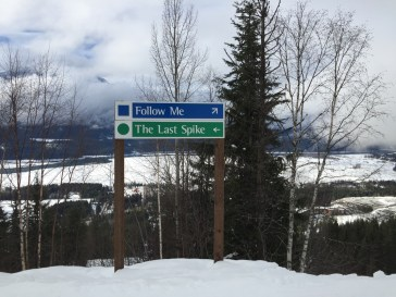 Follow Me - I am a slope easily skiable by beginners and intermediate skiers.