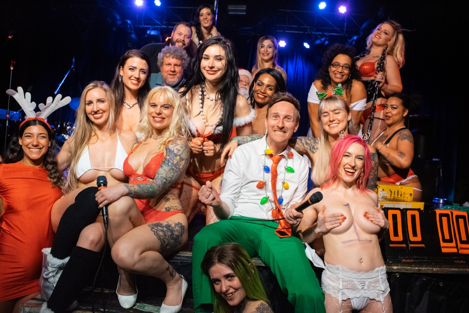"""""""Tatas for Toys"""" 2019 fundraiser charity strippers portland pdx oregon Dante's live Aaron Ross comedian Toxic dancers Xmas holidays benefit comedy funny party Doernbecher wild sexy hot babes"""