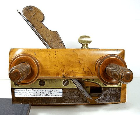 Plane manufactured by the E. and T. Ring Company.