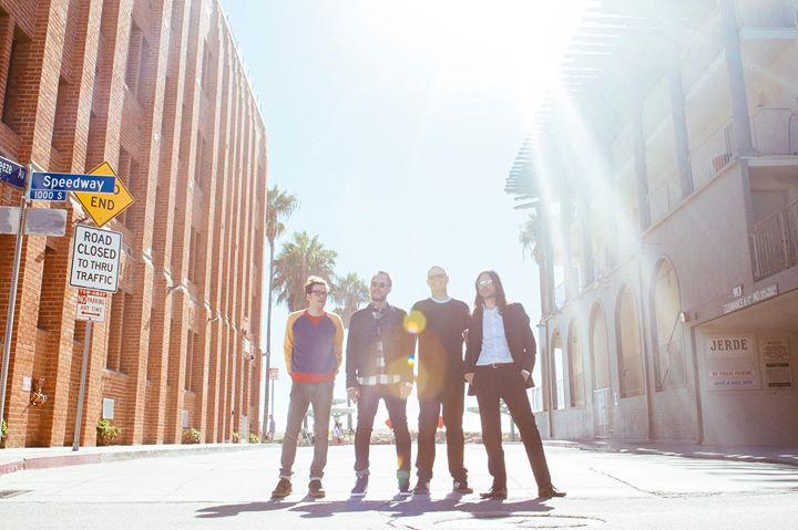 weezer the edge christmas - Christmas With Weezer