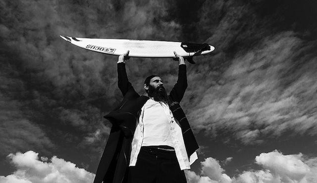 orthodox_jewish_surfer_01