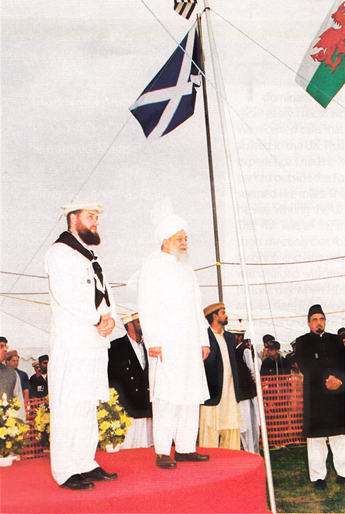 Ibrahim Noonan with Huzoor