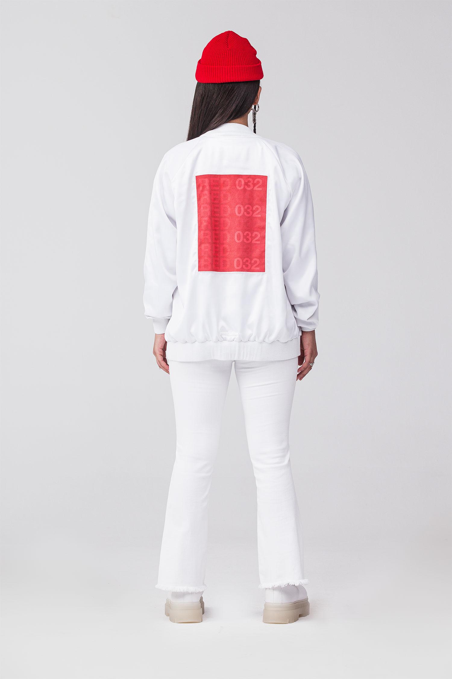 REND_Red-032-white-trasero