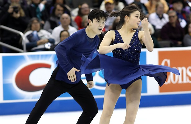 Maia Shibutani and Alex Shibutani perform their free dance at the 2017 U.S. National Figure Skating Championships.