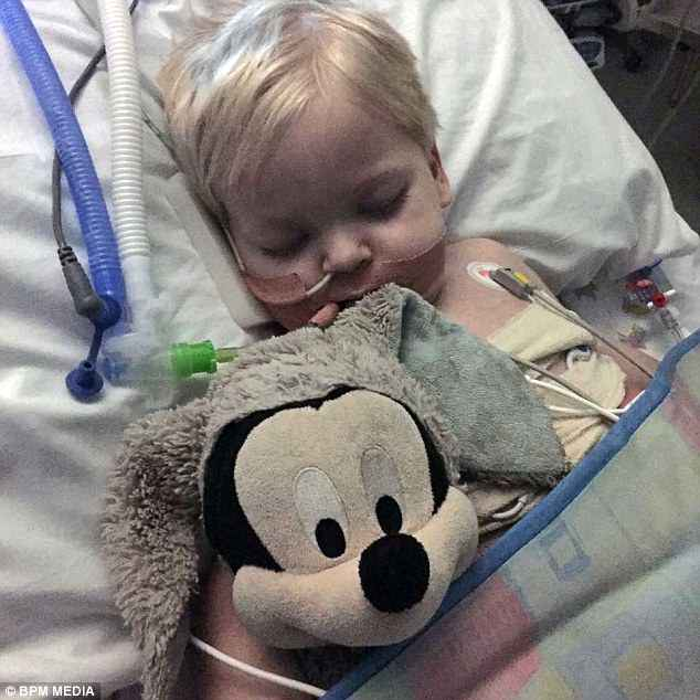 The tiny tot's lungs had become as much as 80 per cent covered in cysts