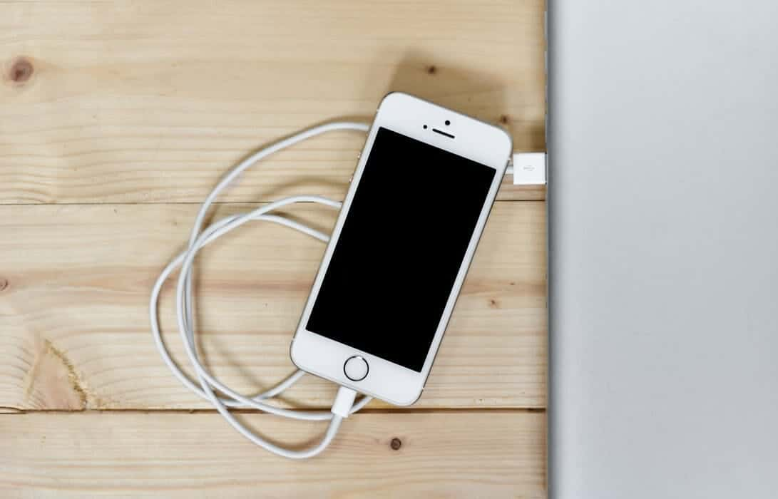 Reasons why your iPhone won't charge - Why The Lucky Stiff