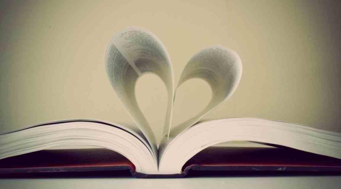 Best Selling Books: 8 Best Selling Romance Novels Everyone Must Read