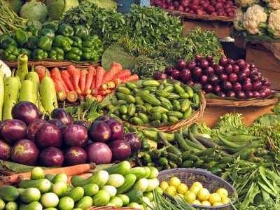 India - Haridwar - 010 - vegetables for sale in Bara Bazaar - Eating Vegan on the Road