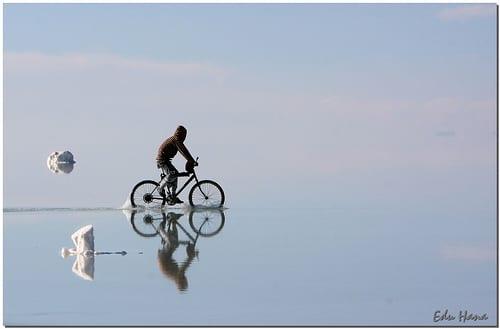 Pedalando no salar - Uyuni Salt Lake