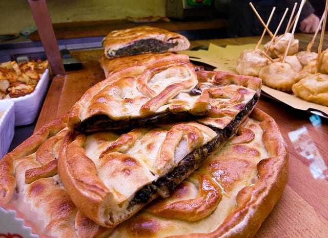Stuffed Pizza in Rome - Plan Your Own Food Tour