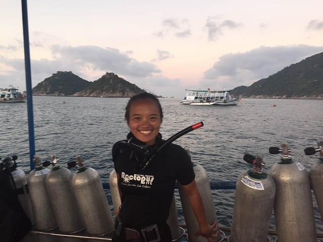Scuba Diving in Koh Tao - Choose a Dive School