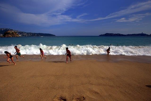 Should you go? Travel to Acapulco