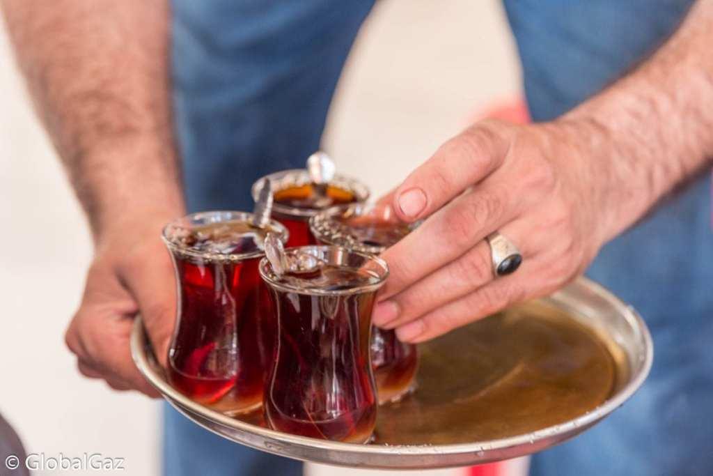 Glasses of Tea in Erbil, Iraq - On Holiday in Iraq