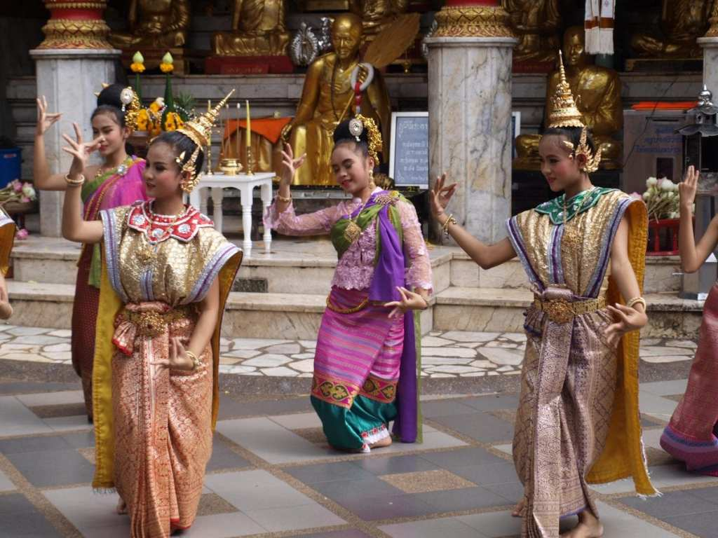 Exploring the Culture While Backpacking Southeast Asia