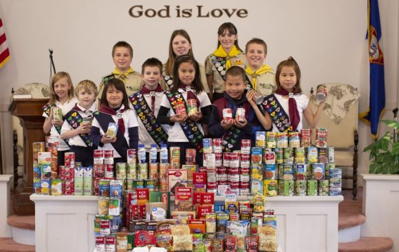 Watertown Pathfinder/Adventurer Clubs Collect Food for Local Pantry