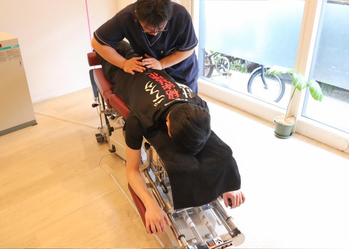 Jepang Kini Hadirkan Terapi Kiropraktik Untuk Para Gamer Membugarkan Tubuh 9