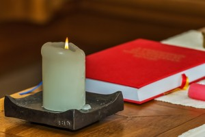 Candle and book candle-681342_1280