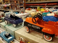 antique toy wichita flea market ks star arena (1)