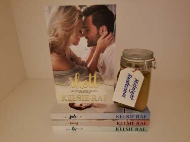 Kelsie Rae Giveaway