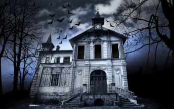 Prompt #253: Haunted House