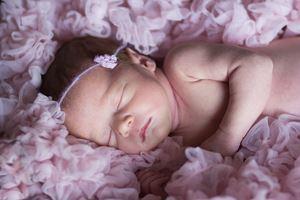 Baby schläft nach dem wickeln