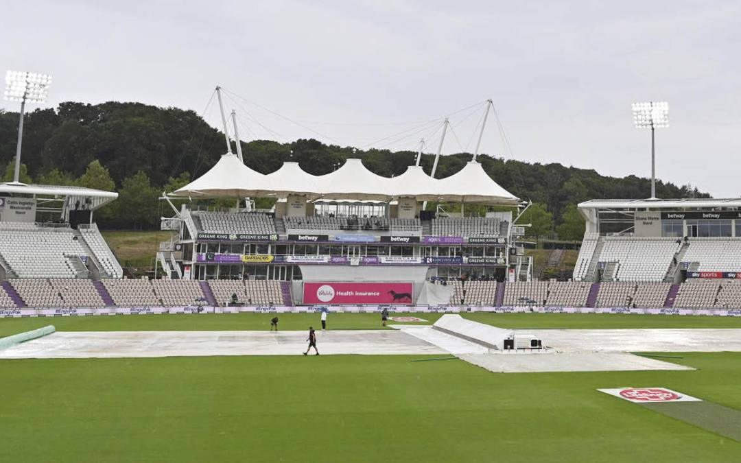 Bad light is leaving test cricket in the dark ages