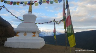 Some of the Everest Range and a nice (undamaged!) Stupa