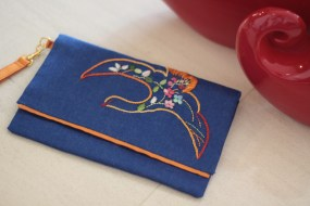 The Bird 6 - SOLD Material : denim Colour : blue with orange lining Length : 20cm Height : 13cm