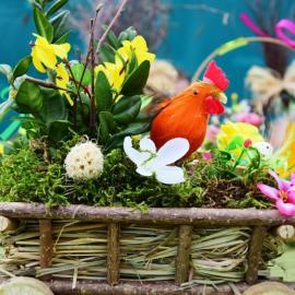 Jarmark Wielkanocny w Szreniawie. Ozdobny kosz Wielkanocny.