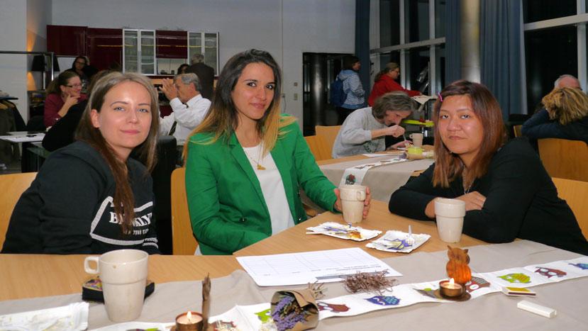 Bianca Zöks, Tiba Khudhair und Kimberly Casala
