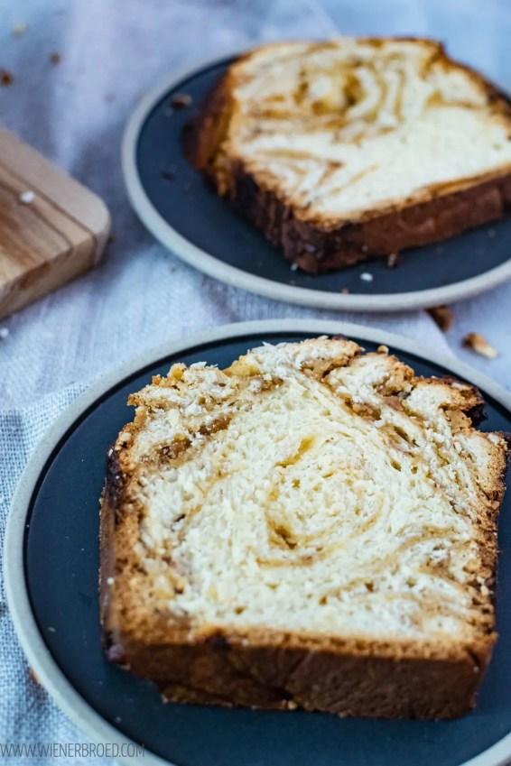 Nuss-Marzipan-Striezel, saftiger Briocheteig mit Marzipancreme und Haselnüssen / Nut marcipan babka, juicy brioche dough with marcipan cream and hazelnuts [wienerbroed.com]