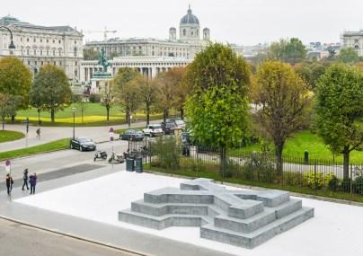 Olaf Nicolai: Denkmal für die Verfolgten der NS-Militärjustiz. Ballhausplatz, Wien