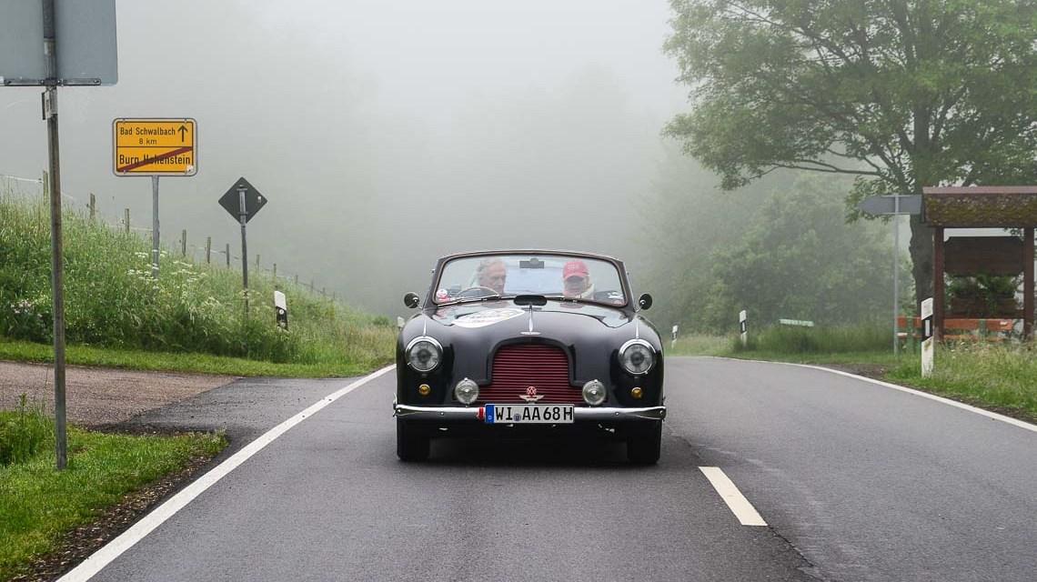 Neben und Regenwetter begleiten Tag zwei der Rallye. Bild: Volker Watschounek