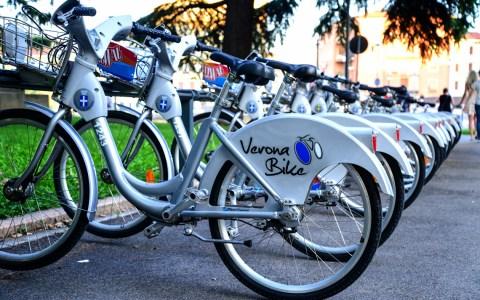 Fahrräder zum Mieten, meterweise. Symbolbild: Volker Watschounek