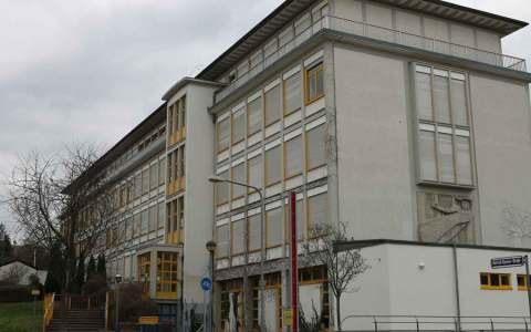 Helene Lange Schule in Wiesbaden. Bild: Oliver Abels (SBT) - Eigenes Werk, CC BY-SA 3.0 de,