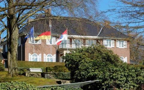 Villenviertel, der Münchener Architekt Ernst Haiger erbaute 1928/1929 die repräsentative Villa für die Familie Schertel von Burtenbach im englischen Landhausstil. Heute wohnt hier der hessische Ministerpräsident. Bild: Rainer Niebergall