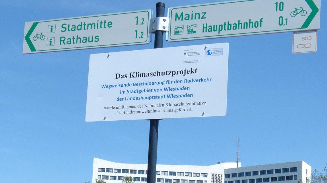 Wiesbadens Radwege werden neu beschildert