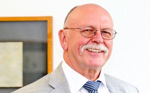 Gerald Beinlich von der IHK Wiesbaden steht als zentraler Ansprechpartner für die Beschäftigung von Flüchtlingen zur Seite. Bild: IHL Wiesbaden