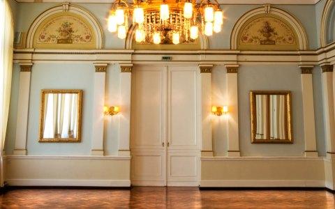 Spiegelsaal im Haus der Casino Gesellschaft Wiesbaden. Bild: Casino Gesellschaft