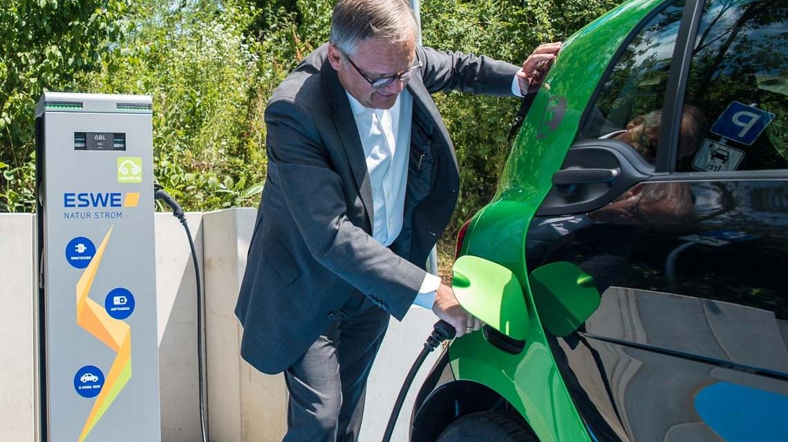 Neue E-Tankstelle bei ESWE Versorgung