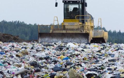 Entsorgungsbetriebe - Bild: https://pixabay.com/de/m%C3%BClldeponie-abfallwirtschaft-abf%C3%A4lle-879437/