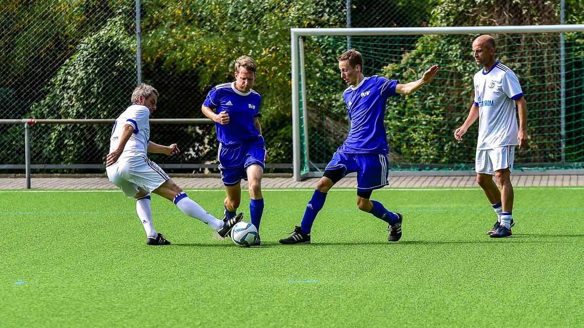 Schalke 04 und R+V spielen für den guten Zweck