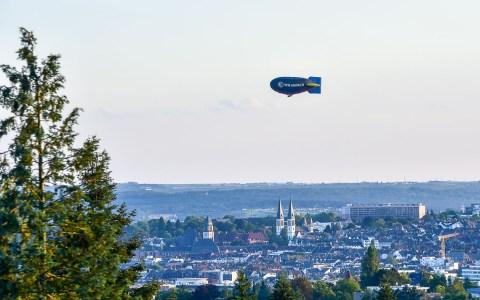 Zeppelin, Luftschiff… wie auch immer wir das Gefährt nennen. Es ist immer toll ahzusehen. Bild: Volker Watschounek