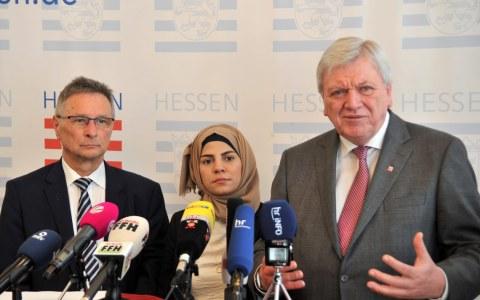Ministerpräsident Volker Bouffier beim sechsten Asylkonvent. Bild: Staatskanzlei