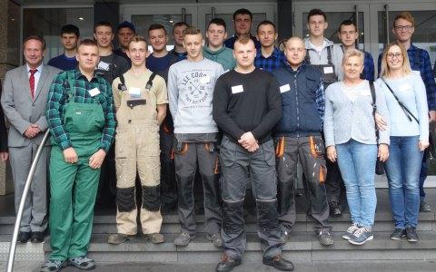 Polnische Tischler-Lehrlinge besuchen Handwerkskammer Wiesbaden. Bild: Handwerkskammer Wiesbaden