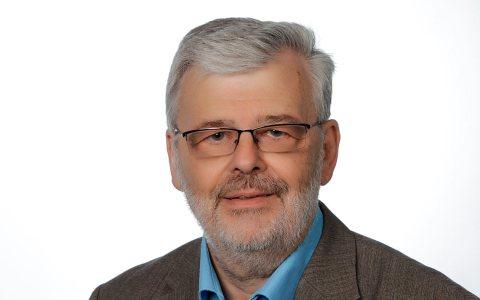 """Prof. Dr. Gerhard Büttner hält einen Vortrag zum Thema """"Hochbegabung und soziale Ungleichheit"""". Bild: Privat"""